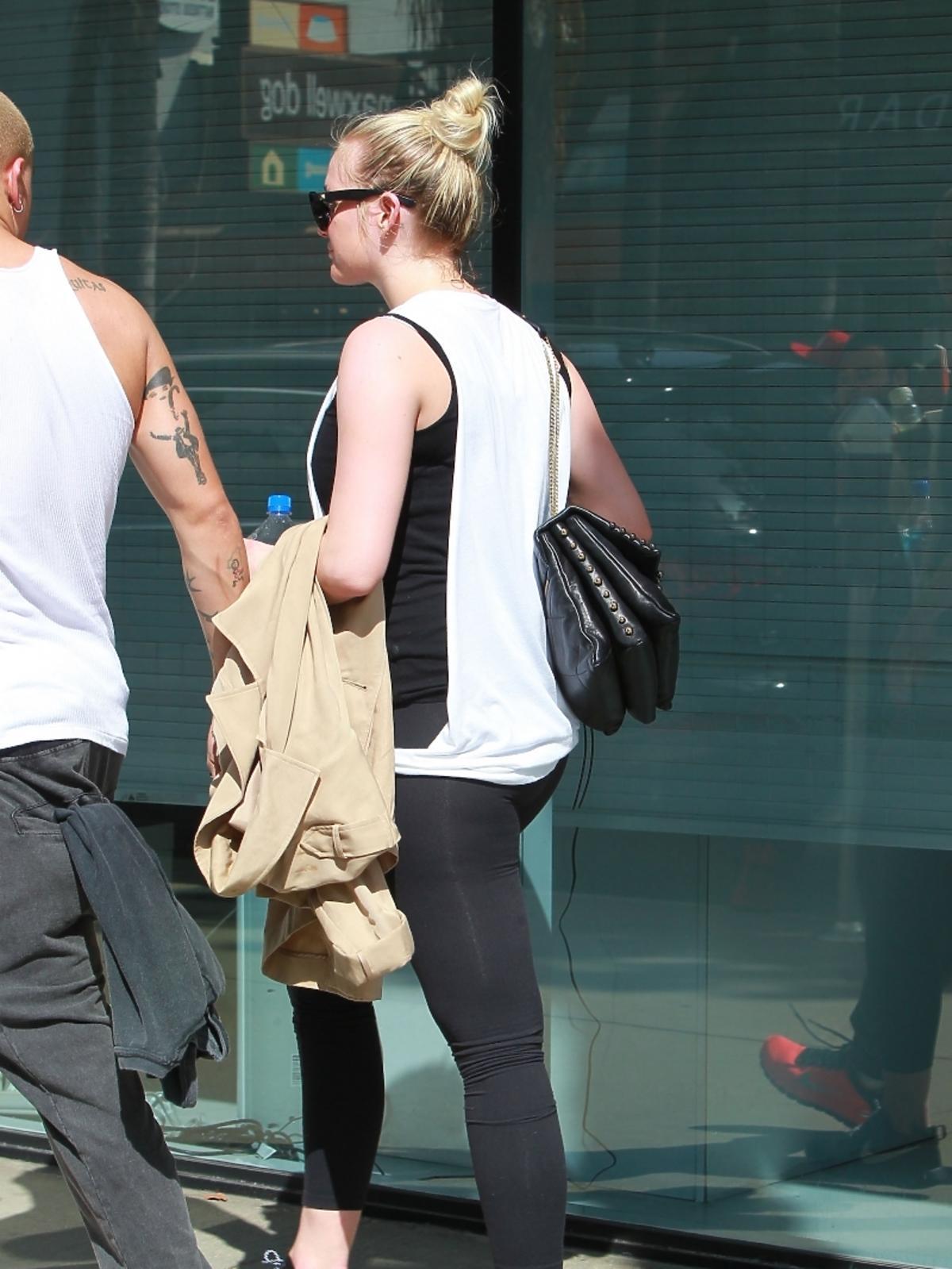Ashlee Simpson i Evan Ross wracają z treningu