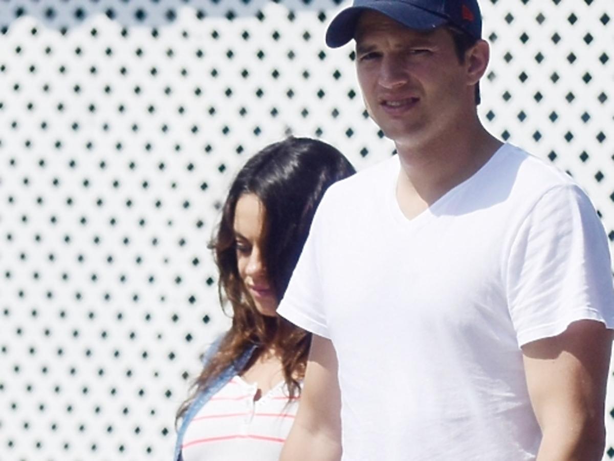 Ashton Kutcher i ciężarna Mila Kunis wracają ze śniadania w Los Angeles