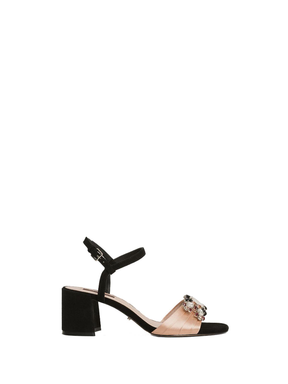 Atłasowe sandały z ozdobą Uterque Zara H&M Mohito