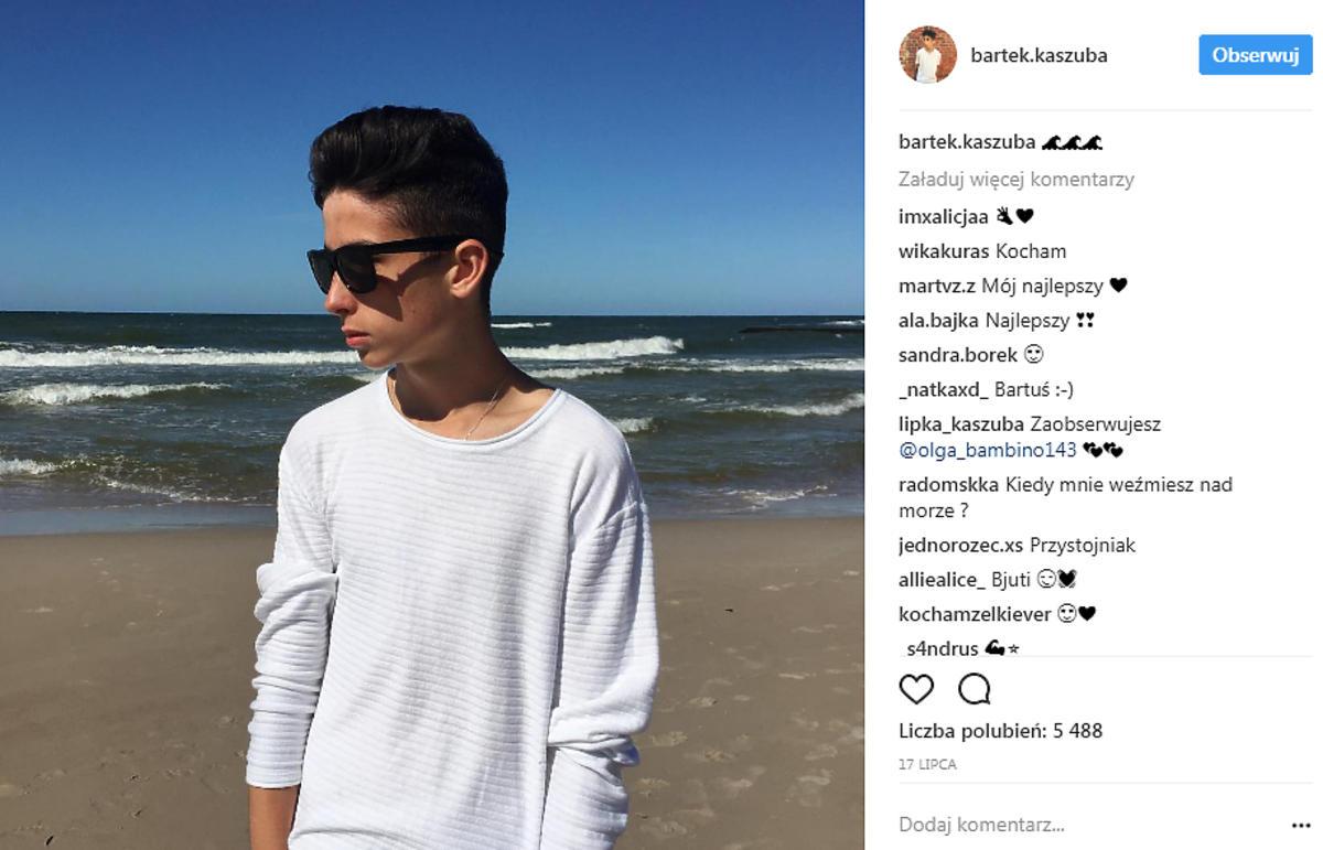 Bartek Kaszuba śpiewa piosenkę Dawida Podsiadło