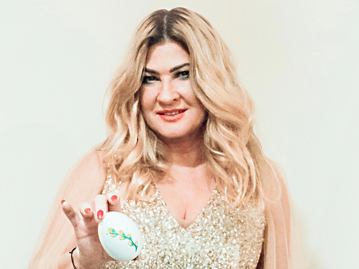 Beata Kozidrak i jej wielkanocna pisanka na aukcję dla katowickiego Hospicjum Cordis