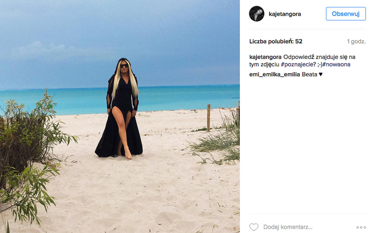 Beata Kozidrak na plaży odsłania nogi