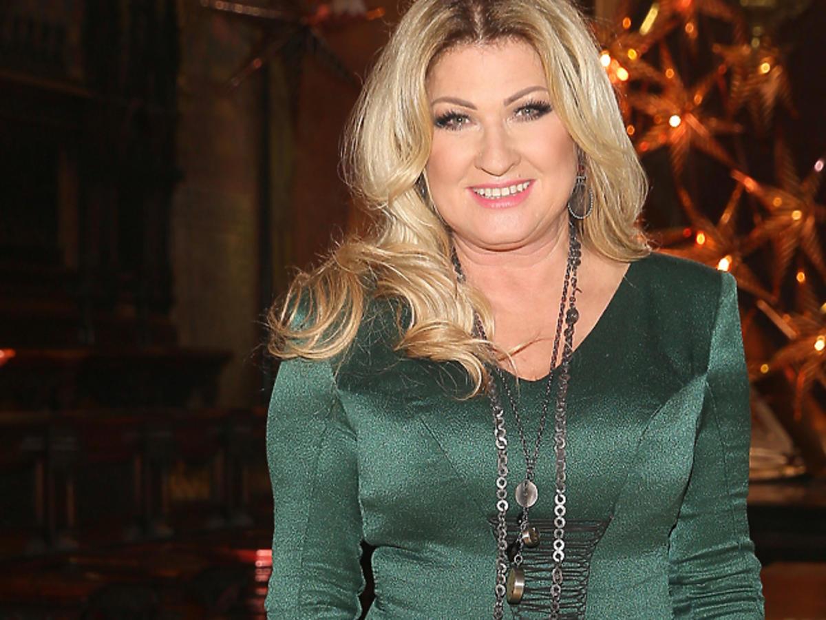 Beata Kozidrak w zielonej sukience