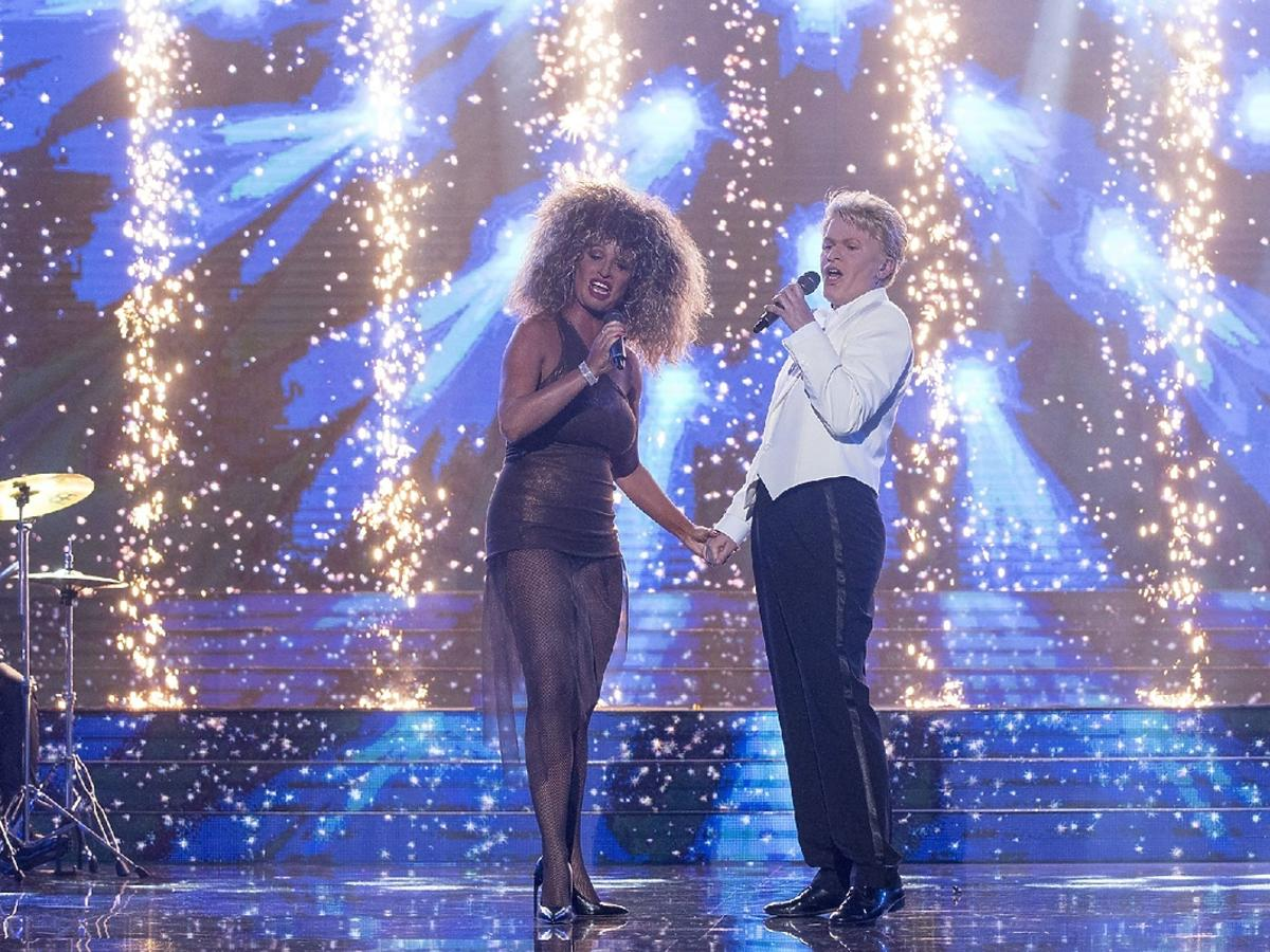 Beata Olga Kowalska jako Davida Bowie i Olga Szomańska jako Tina Turner odc 3 TTBZ
