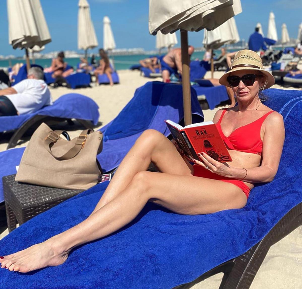 Beata Ścibakównna na wakacjach w kostiumie kąpielowym