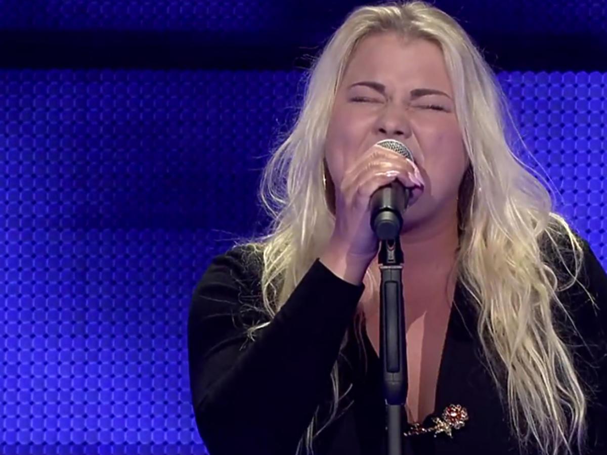 Beata Spychalska śpiewa