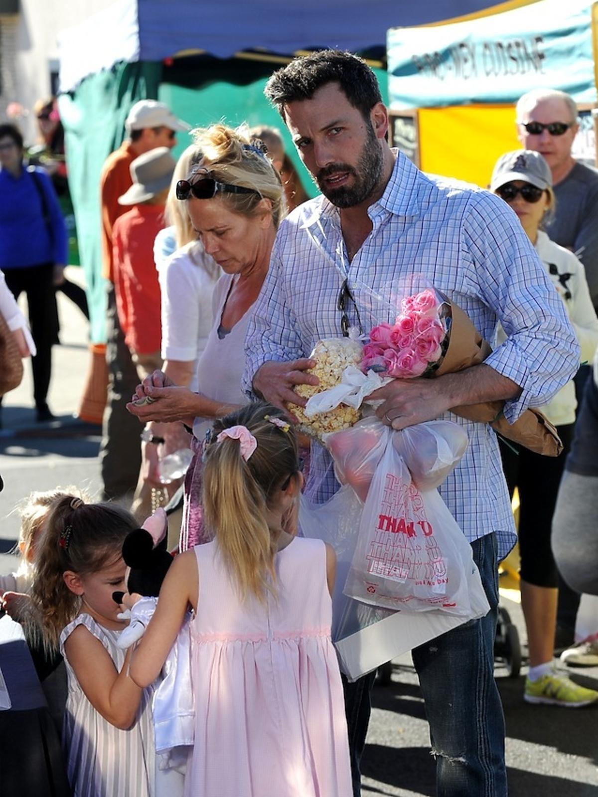 Ben Affleck kupuje kwiaty dla żony Jennifer Garner
