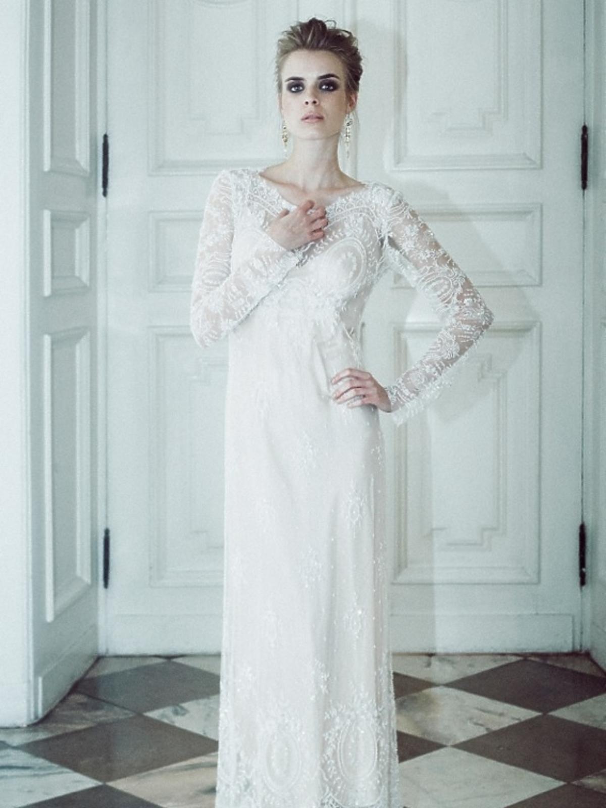 Biała koronkowa suknia ślubna