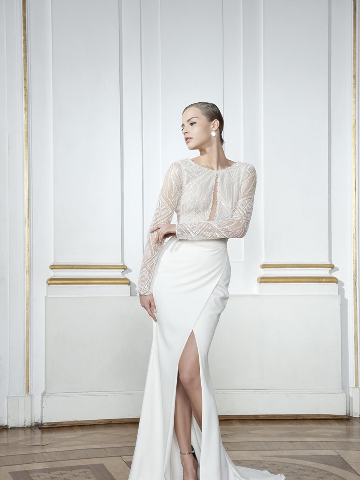 Biała suknia ze zdobioną górą