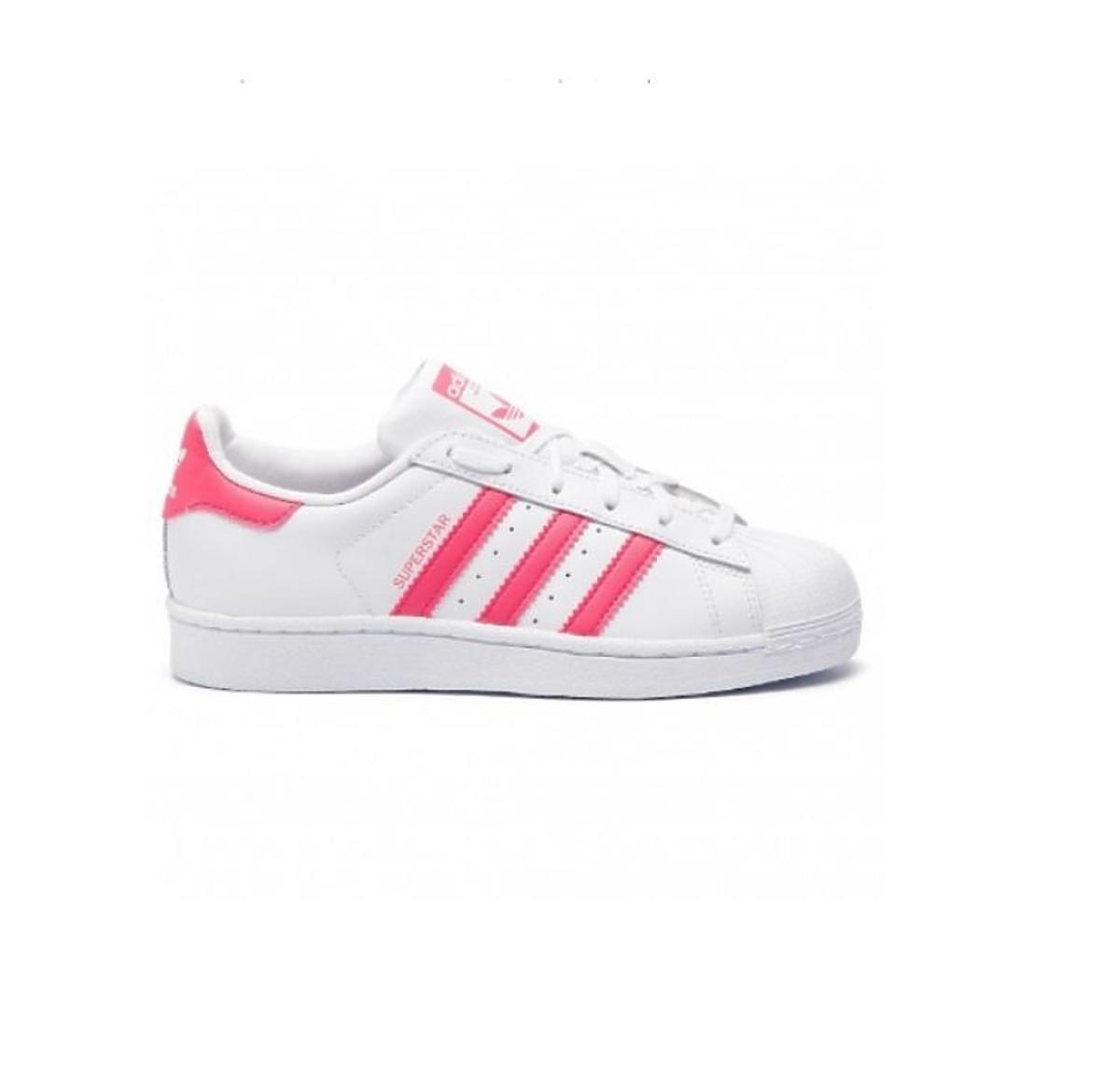 Białe sneakersy z różowym paskeim z wyprzedaży Eobuwie.pl