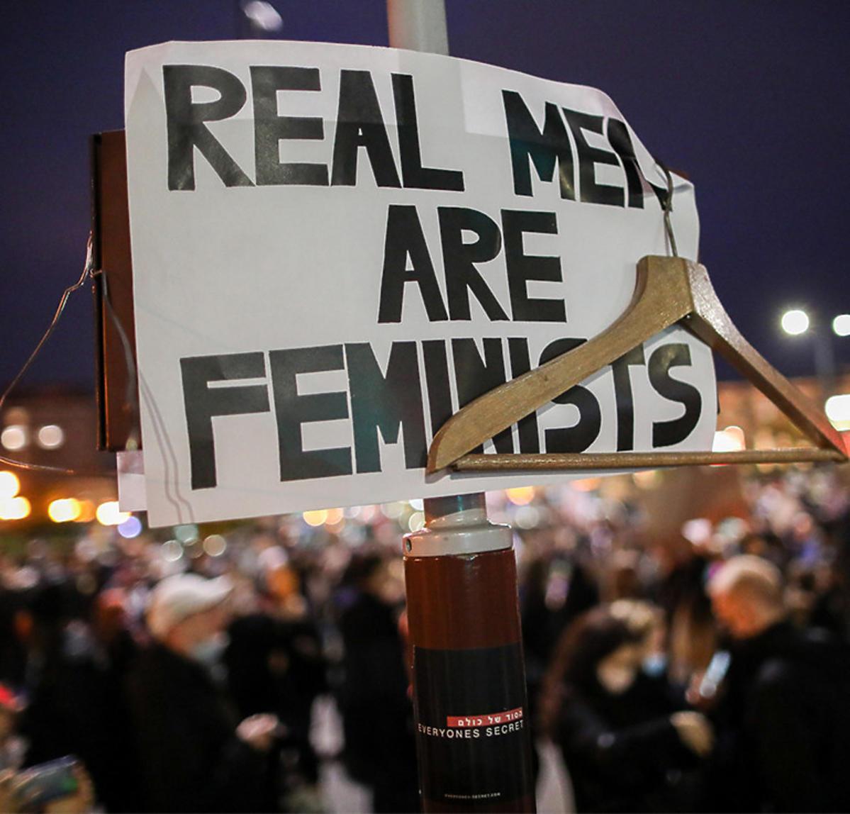 BMW wjechało w tłum protestujących podczas strajku kobiet