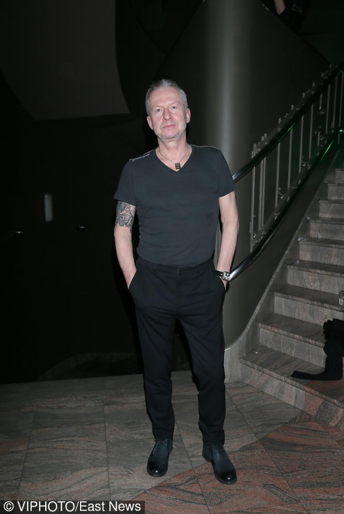 Bogusław Linda na premierze sztuki
