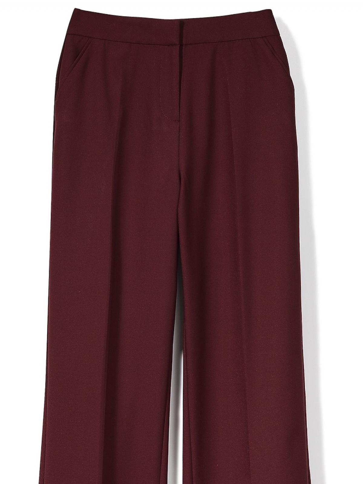 bordowe spodnie z szerokimi nogawkami