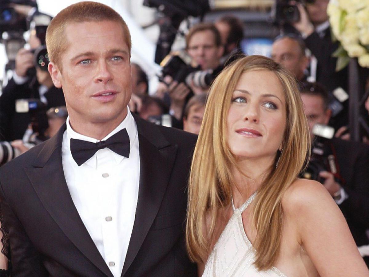 Brad Pitt i Jennifer Aniston na czerwonym dywanie