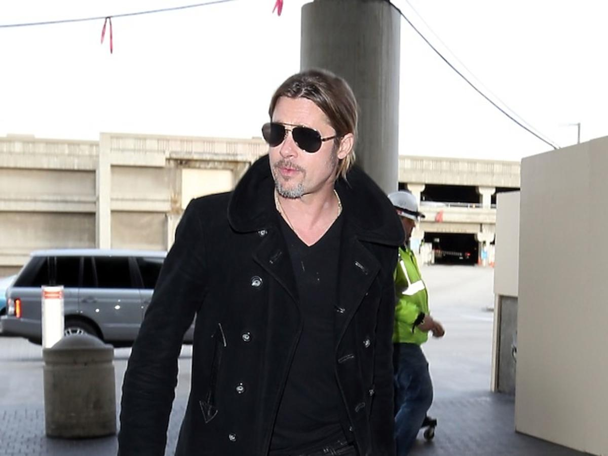 Brad Pitt na lotnisku w Los Angeles Paparazzi