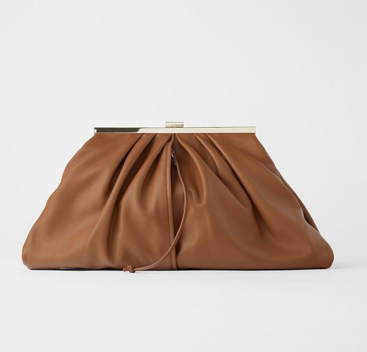 Brązowa marszczona torebka z Zara