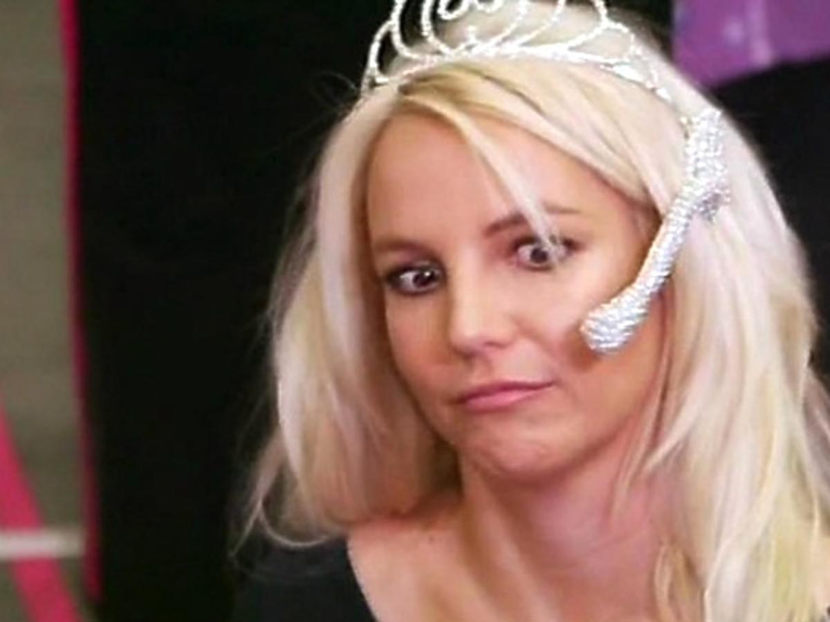Britney Spears śpiewa bez pomocy komputera