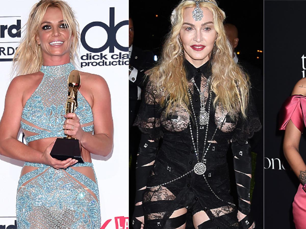Britney Spears w niebieskiej sukience
