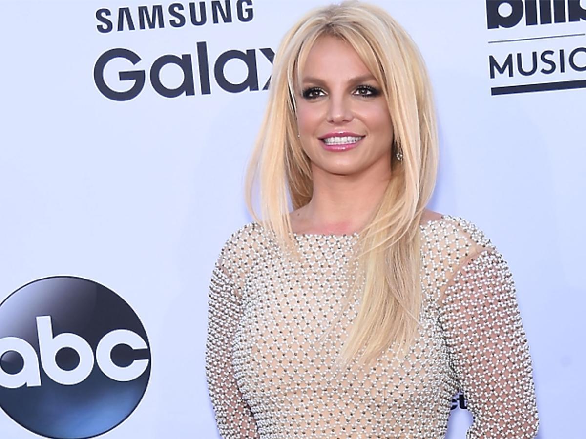 Britney Spears w rozpuszczonych włosach