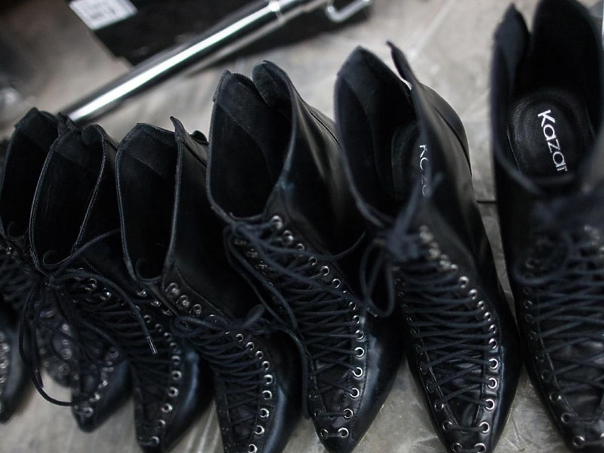 Buty Kazar dopełniły stylizację kreacji polskich projektantów podczas Flesz Fashion Night