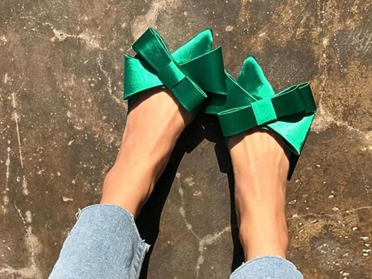 buty z kokardami