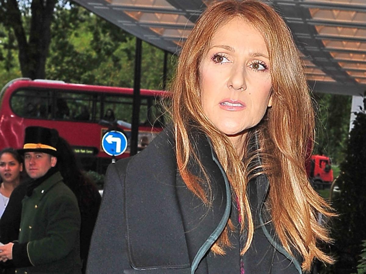 Celine Dion w rudych włosach