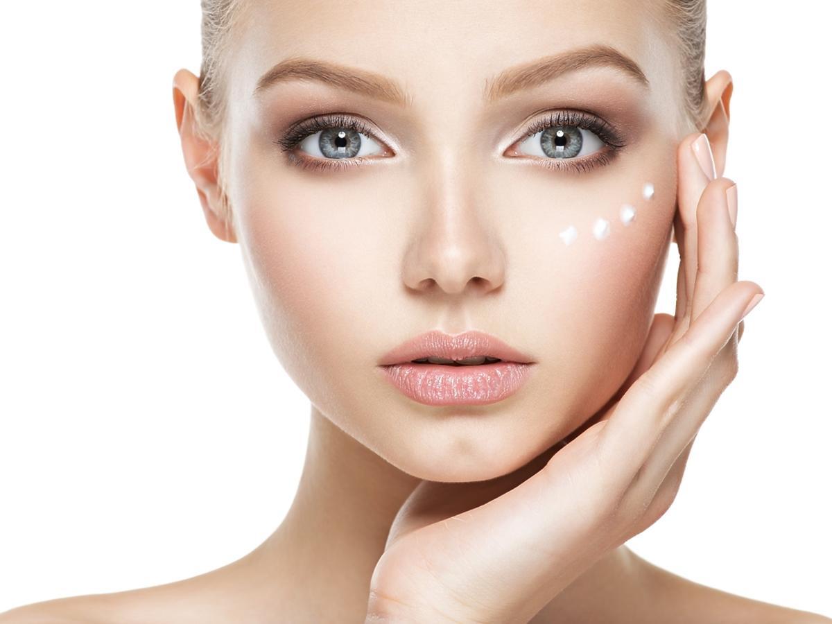 Ceramidy w kosmetyce. Jak działają kosmetyki z ceramidami?