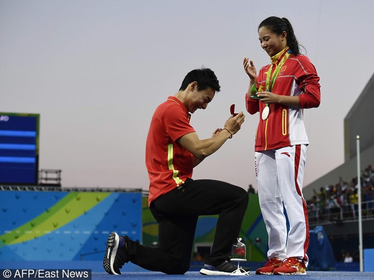 Chińczyk Qin Kai oświadcza się Chince He Zi