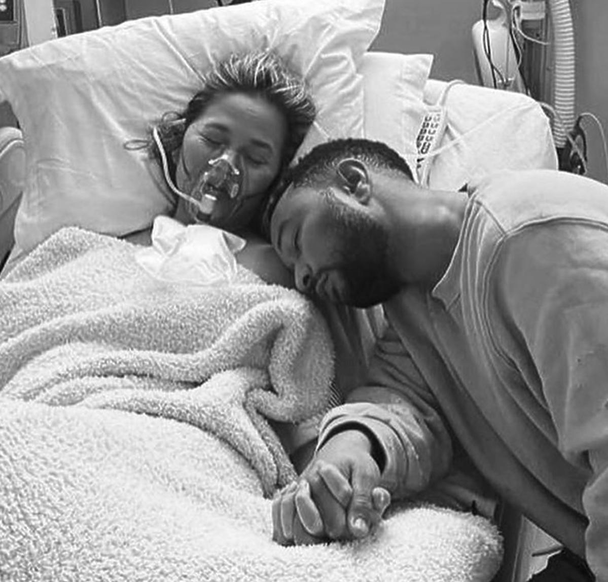 Chrissy Teigen i John Legend stracili dziecko