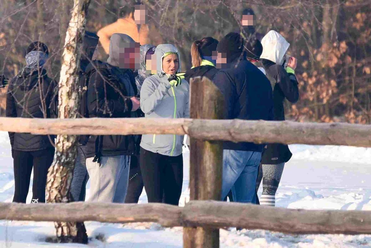 Ciężarna Anna Lewandowska na obozie treningowym