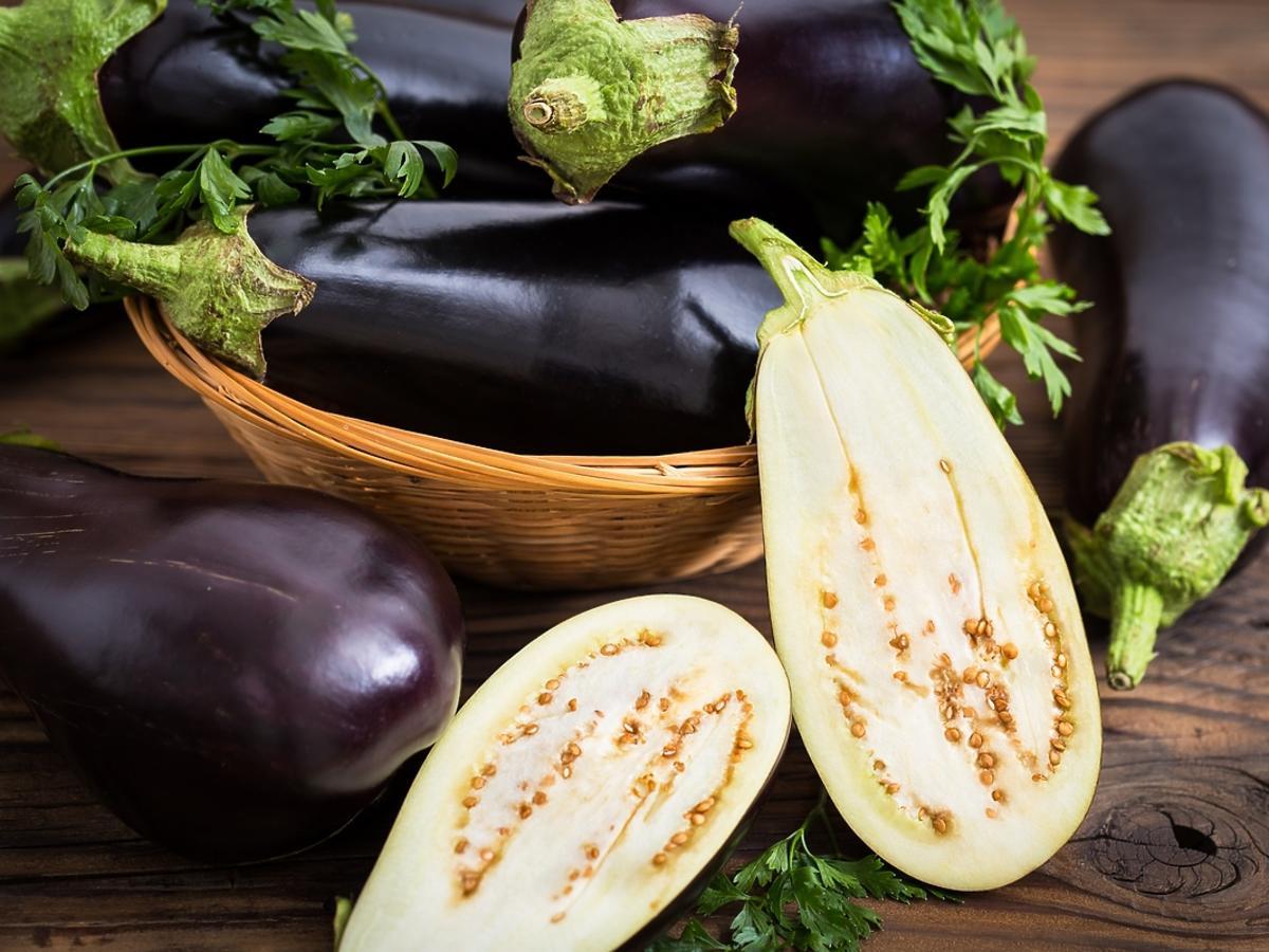 Co zrobić z bakłażana - 2 wegańskie przepisy