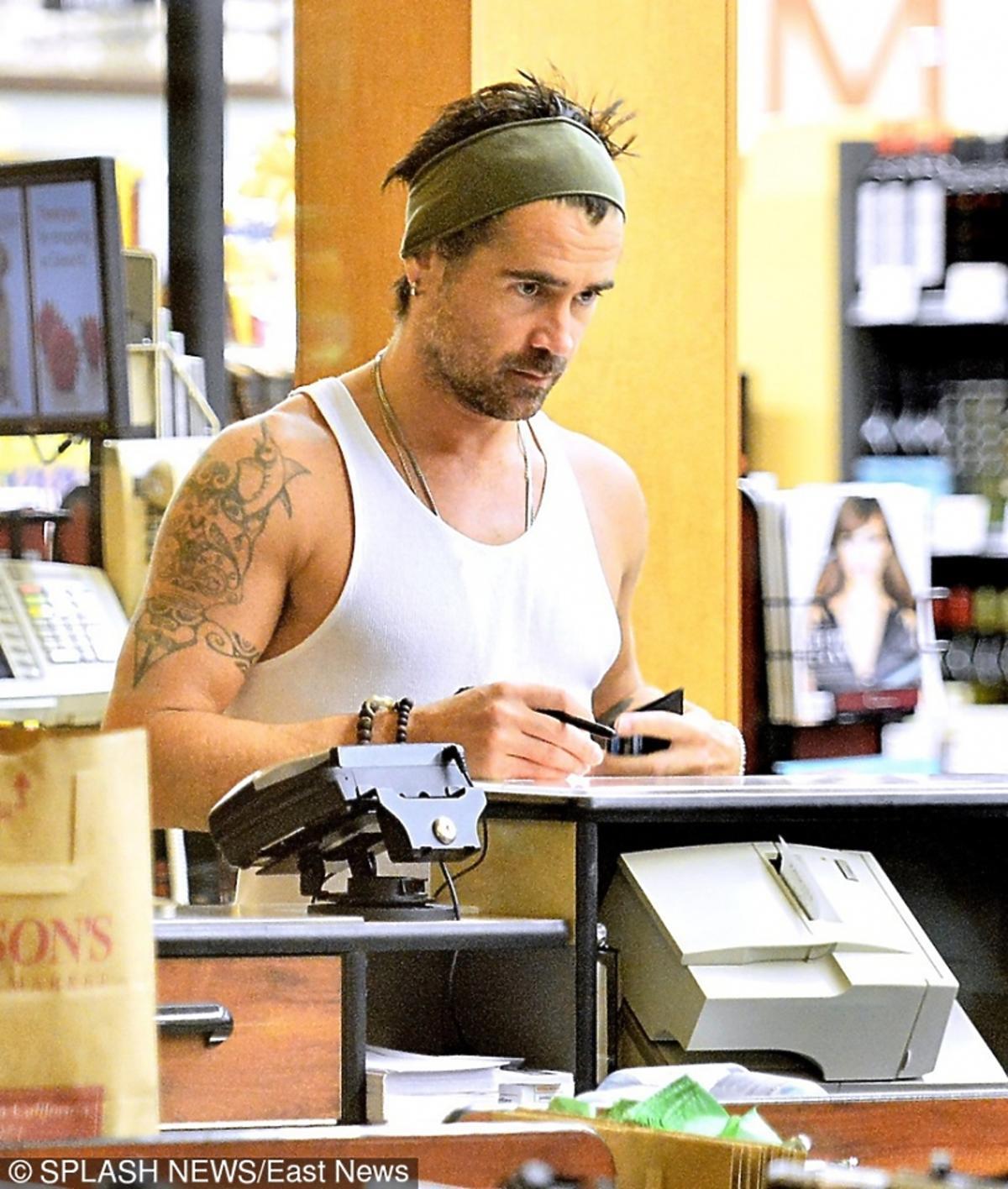 Colin Farrell w koszulce bez rękawów