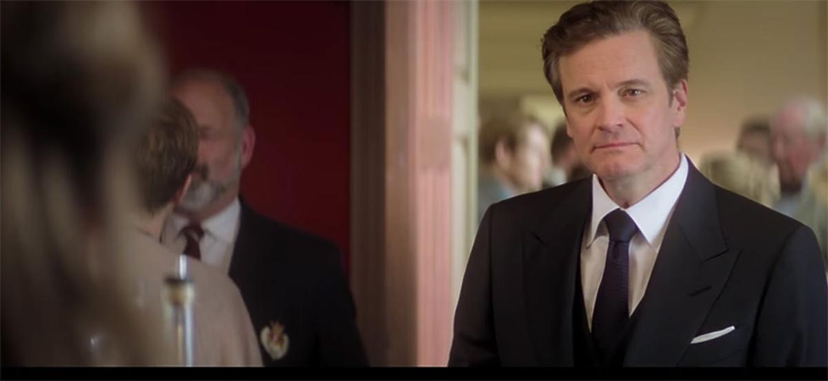 Colin Firth w garniturze na planie filmu Bridget Jones