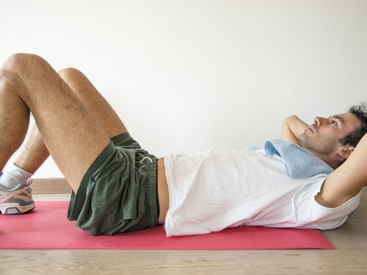 Ćwiczący mężczyzna