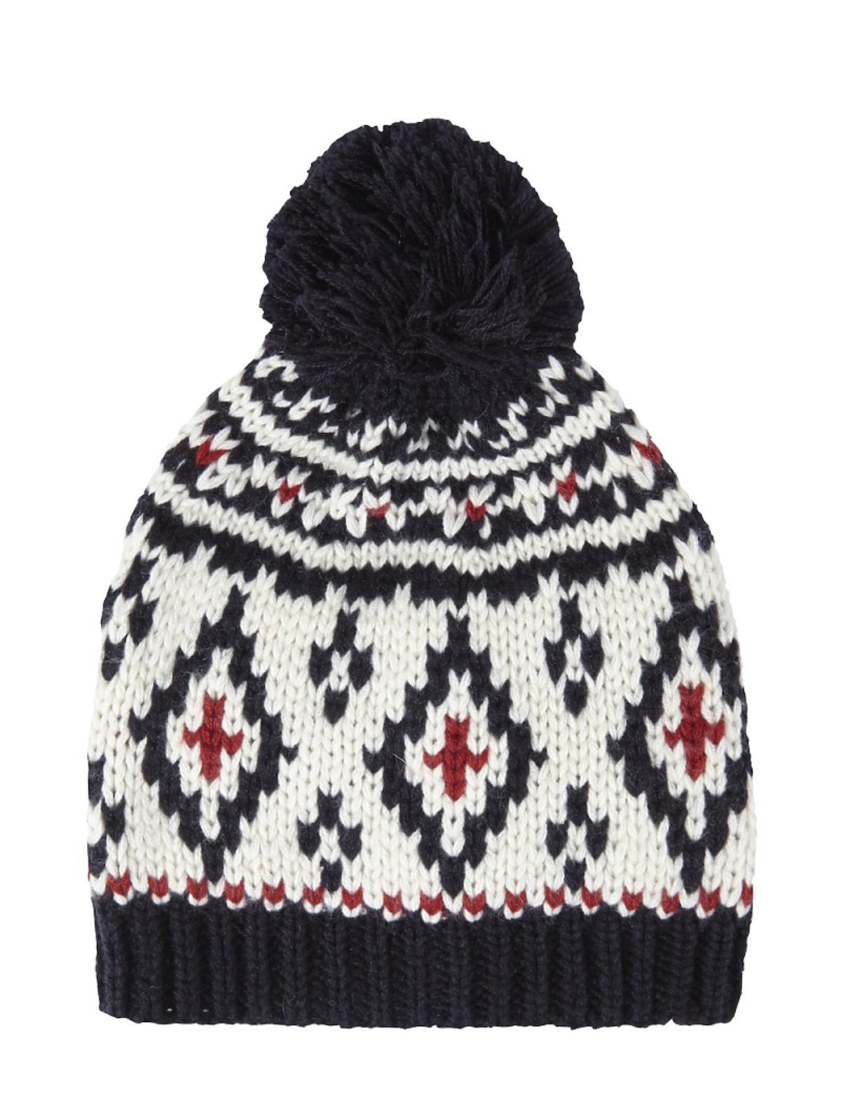 czapka we wzory z pomponem