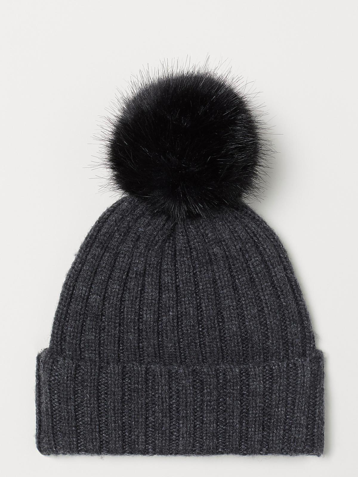 czapka z pomponem HM