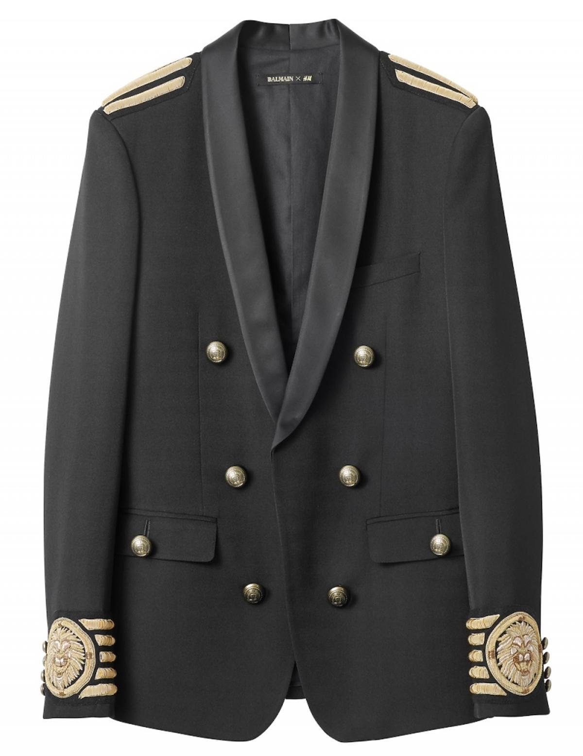 Czarna marynarka Balmain dla H&M ze złotymi guzikami