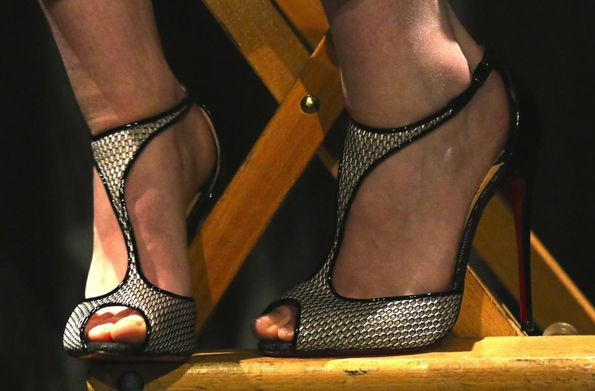 Czarno-złote sandałki Kristen Stewart