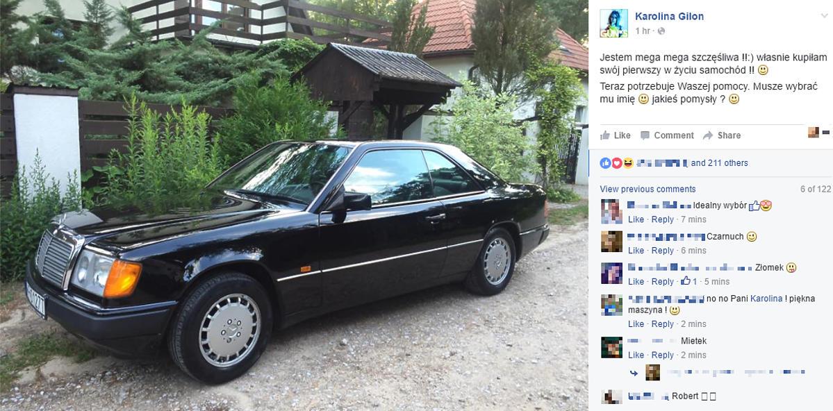 Czarny Mercedes na drodze