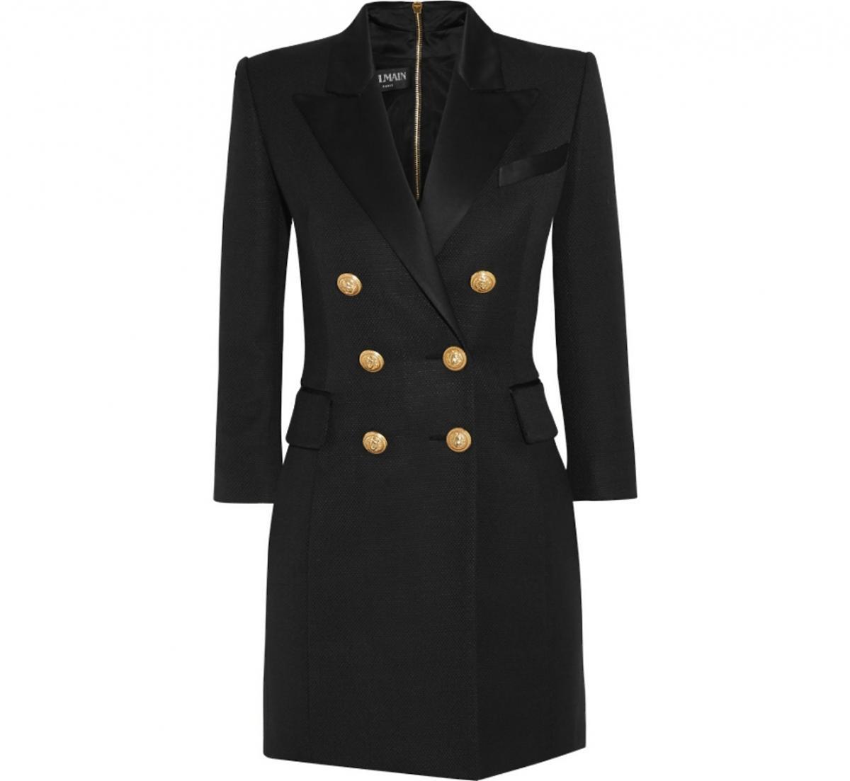 Czarny płaszcz ze słotymi guzikami