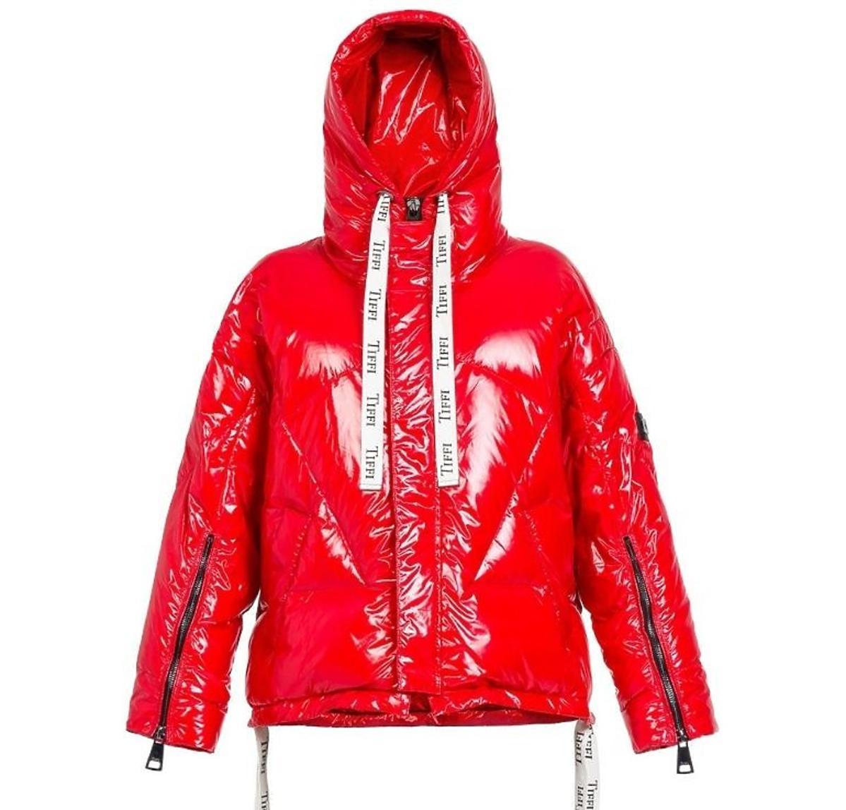 Czerwona kurtka Tiffi za 999 zł
