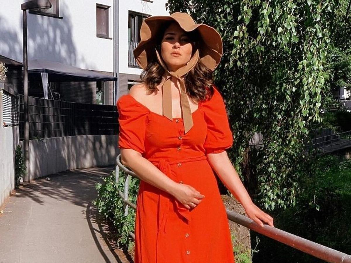 czerwona sukienka z H&M