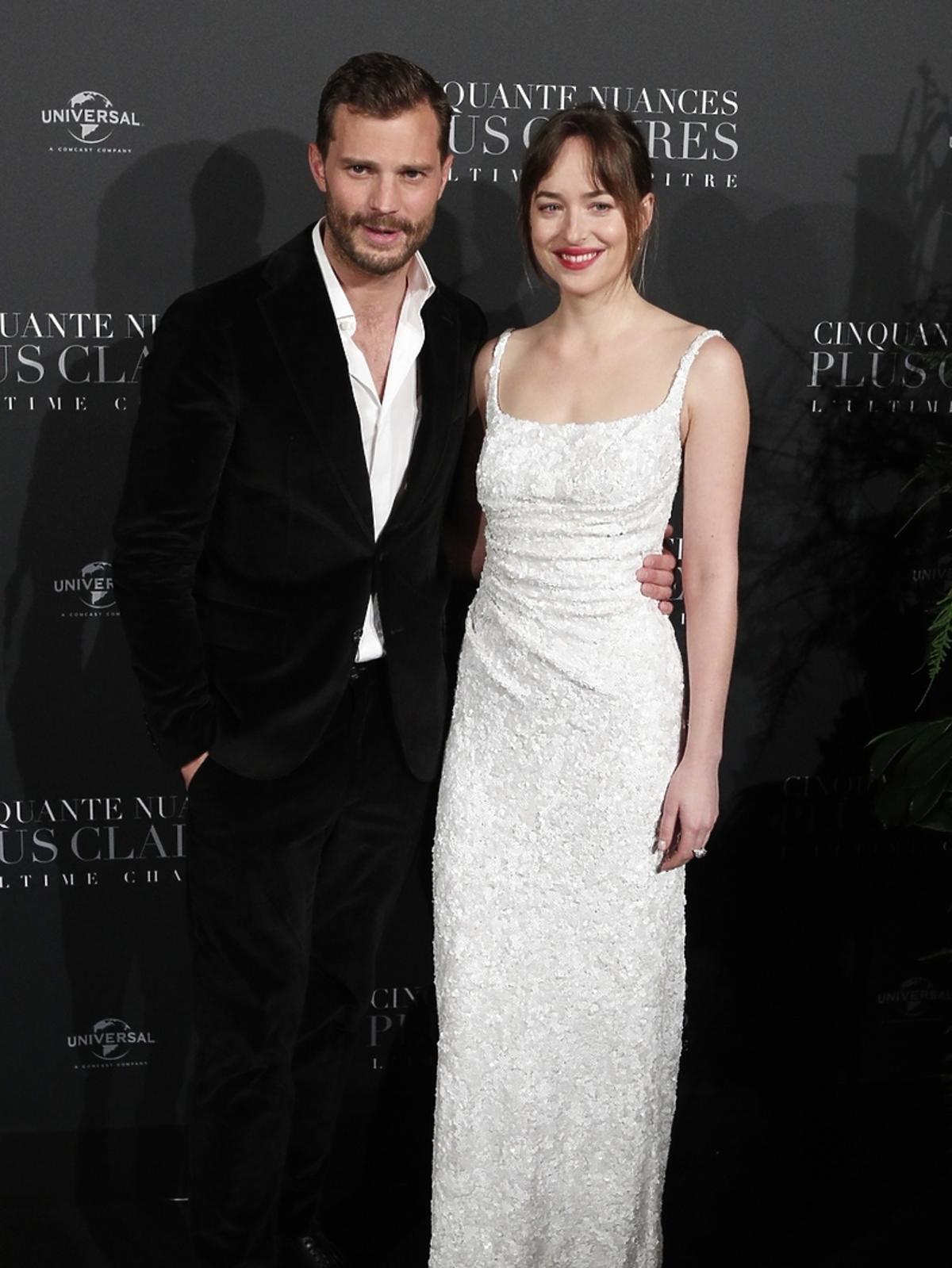 Dakota Johnson i Amelia Warner na premierze ĻNowego oblicza Greya