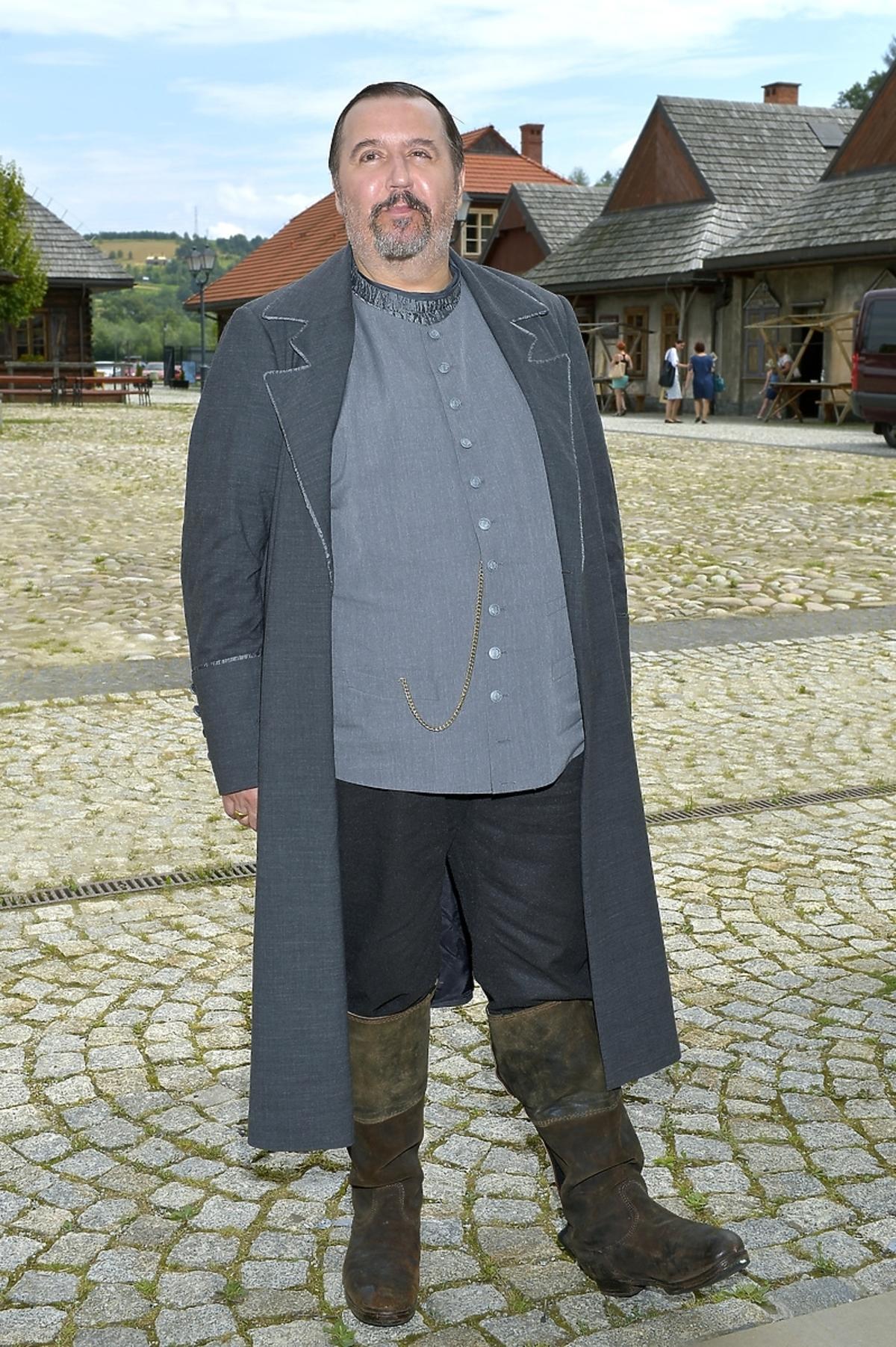 Dariusz Gnatowski na planie spektaklu