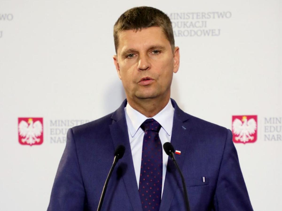Dariusz Piontkowski na konferencji prasowej