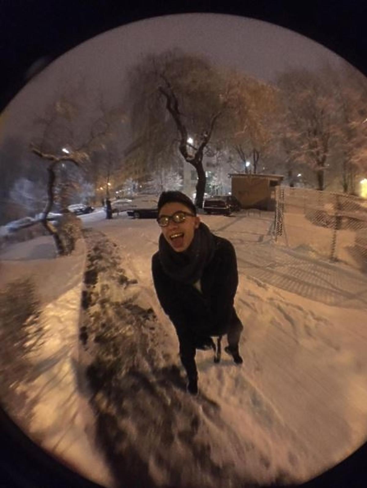 Dawid Kwiatkowski cieszy się, że spadł śnieg
