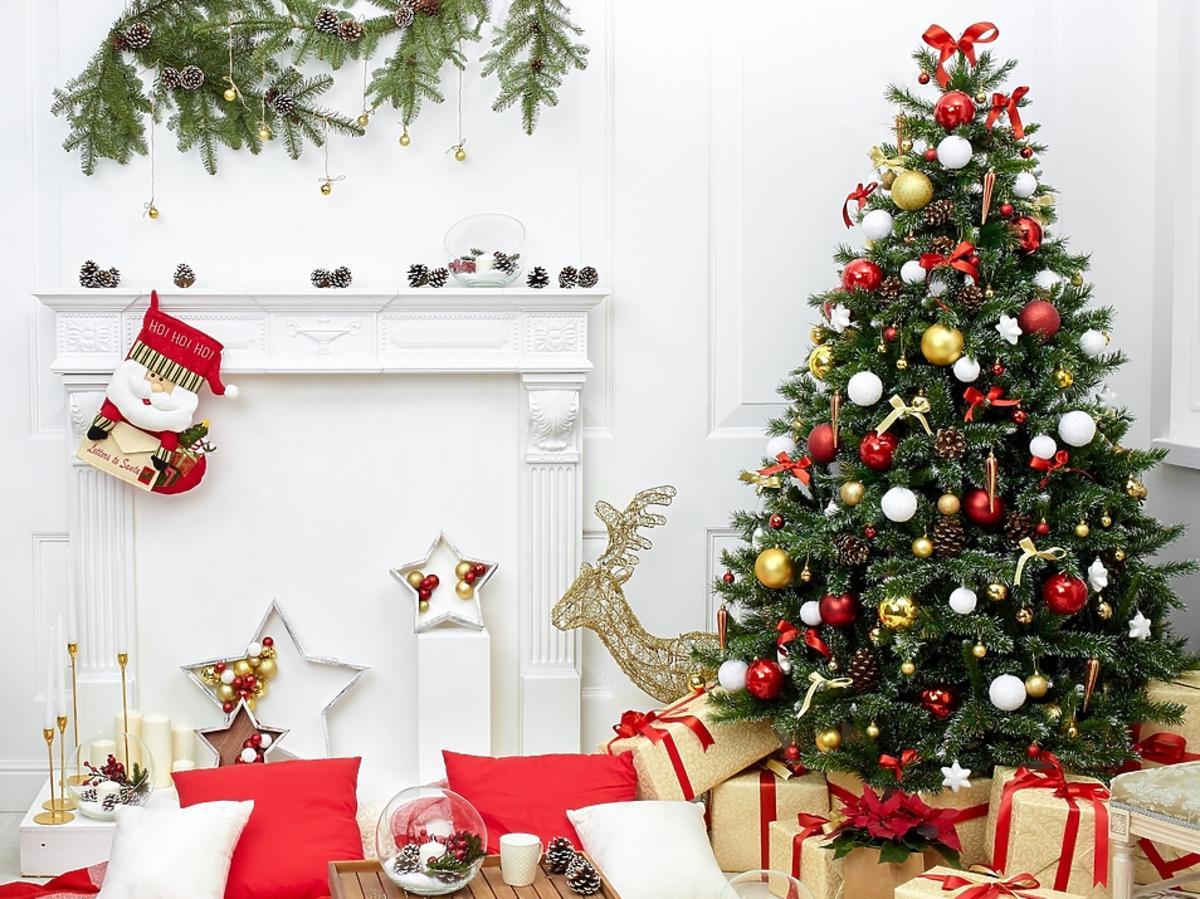 Dekoracje bożonarodzeniowe z szyszek