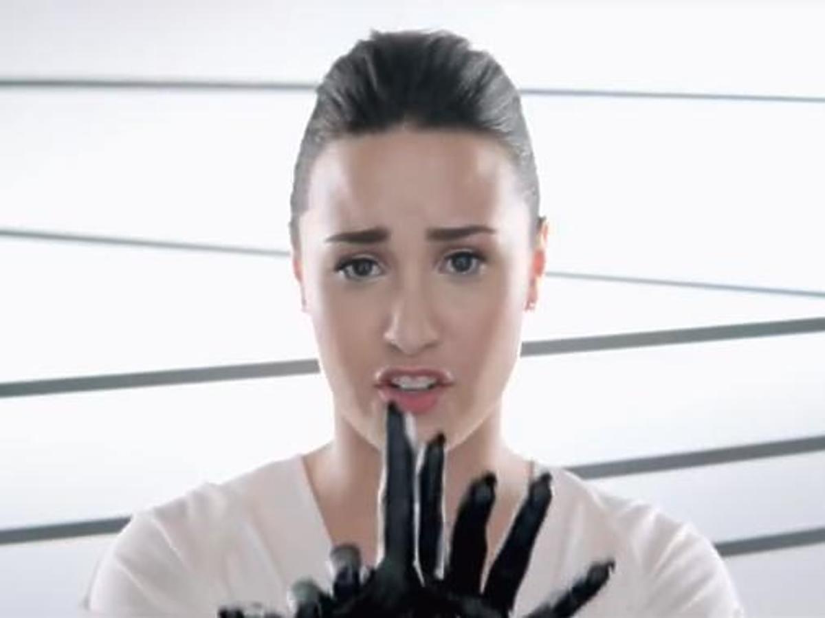 """Demi Lovato """"Heart Attack"""""""