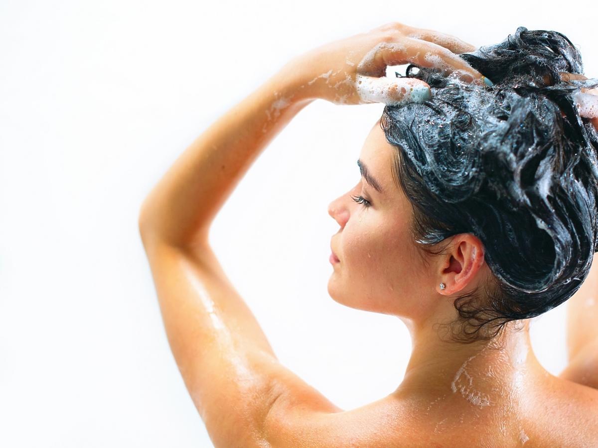 Dlaczego peeling skóry głowy jest ważny zimą?