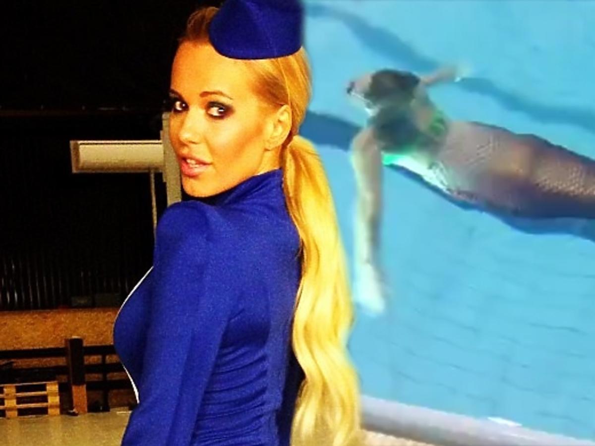 Doda pływa w basenie w syrenim ogonie
